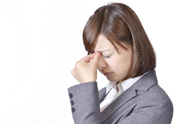 眼精疲労からくる頭痛を改善する5つの方法